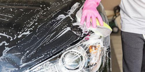 Auto daheim waschen: Was ist erlaubt und was nicht?