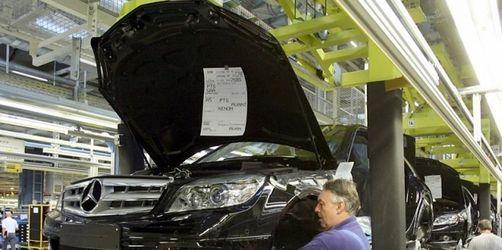 Autohersteller und Zulieferer sehen schwarz