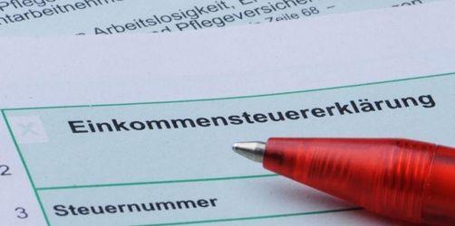 Lohnsteuerkarte adé: Aus Papier wird Elektronik  Die Steuerfreibeträge müssen neu beantragt werden