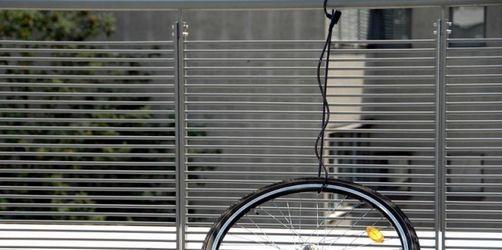 Gestohlener Stoßdämpfer wird nicht ersetzt - Diebstahl nur für Fahrrad als Ganzes versichert