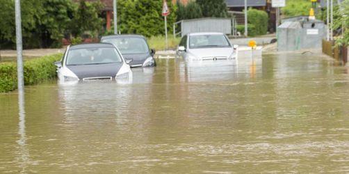 Überflutete Straßen nach heftigem Unwetter im Vogtland