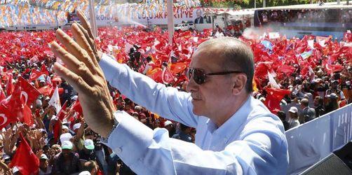 Die Türkei hat gewählt - Unregelmäßigkeiten gemeldet