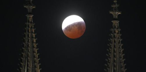 Totale rötliche Mondfinsternis vielerorts gut sichtbar