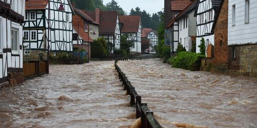 100 Liter pro Quadratmeter: Straßen im Süden unter Wasser