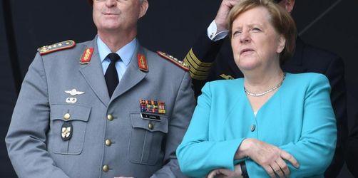 Merkel: Bundeswehr hatte viele Jahre lang zu wenig Geld