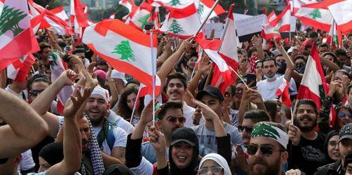 Libanon: Demonstranten fordern Regierungswechsel