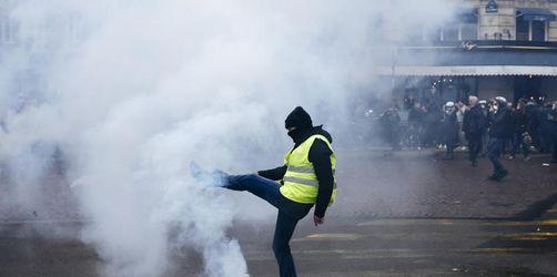 Jahrestag der Proteste: «Gelbwesten» demonstrieren in Paris