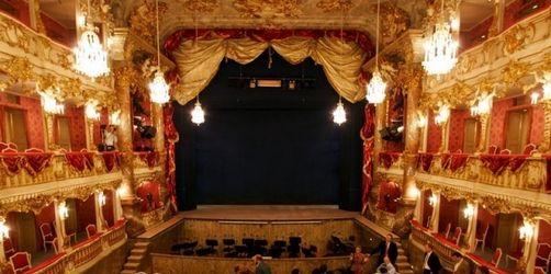 Sprinkler setzt Cuvilliés-Theater unter Wasser