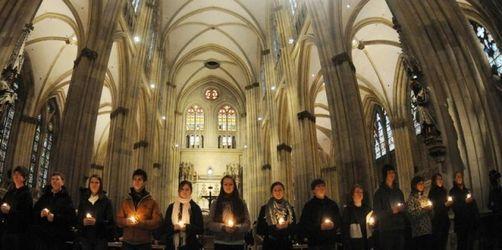 800 Schüler gedenken der Toten von Winnenden