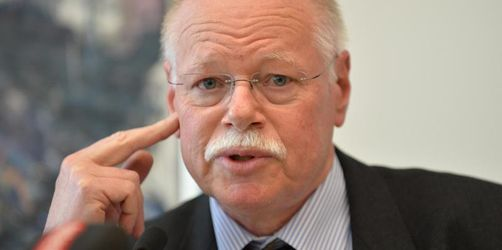 Bremens Innensenator begrüßt Verbot von Asylentscheiden