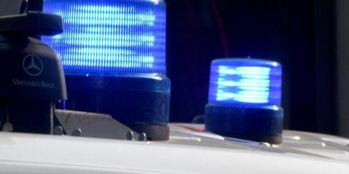 Auto überschlägt sich: zwei Tote und zwei Verletzte