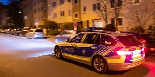 Frauen in Nürnberg niedergestochen: Täter weiter flüchtig