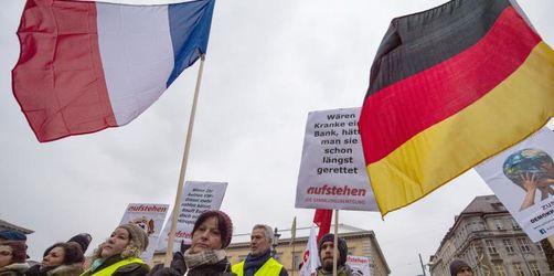 Mindestens hundert «Gelbwesten» bei Solidaritätskundgebung