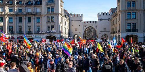 Tausende demonstrieren friedlich gegen Sicherheitskonferenz