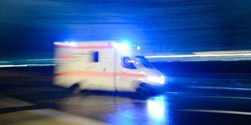 Verletzter greift Sanitäter im Rettungswagen an