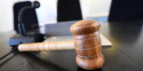 Junge Mutter wegen Mordes an Baby zu Jugendhaft verurteilt