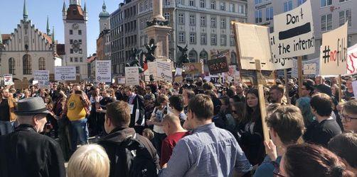 40 000 Menschen bei Demo gegen Urheberrechtsreform