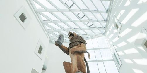 «Löwenbräu»-Löwe grüßt im Museum der Bayerischen Geschichte