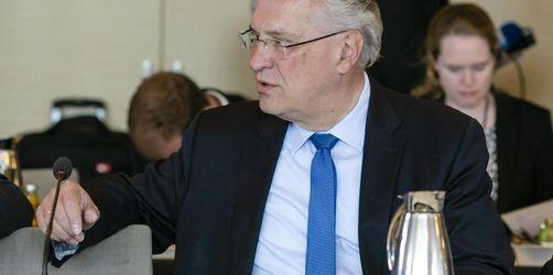 Herrmann besucht Flüchtlinge und Soldaten in Jordanien