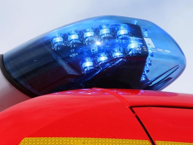 Ein leuchtendes LED-Blaulicht der Feuerwehr. /Archiv