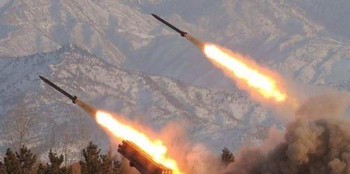 Nordkorea stellt neue Mittelstreckenraketen auf