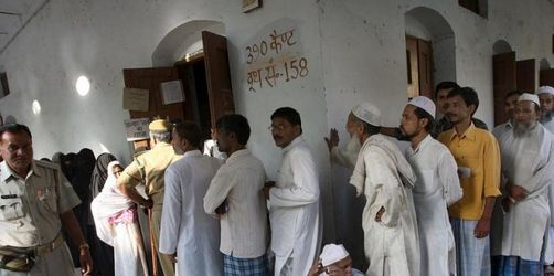 Blutige Angriffe überschatten Wahl in Indien