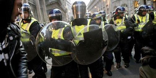Neue Videos von Polizeiübergriffen bei G20