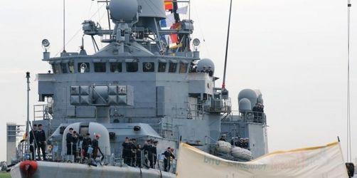 Piratenabwehr: Jung lehnt Soldaten auf Frachtern ab