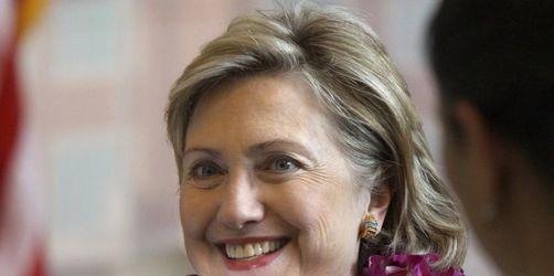 Clinton beginnt politische Gespräche in Indien