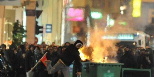 Straßenschlacht nach Großdemo in Athen