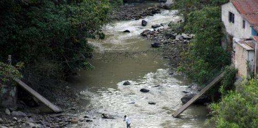 Kolumbien verstärkt Truppen an Grenze zu Venezuela