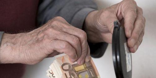 Regierung will 2011 mehr sparen als nötig