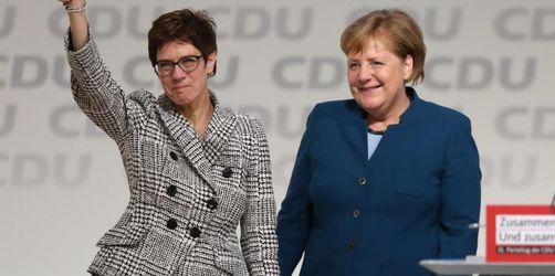 Umfrage: Union und SPD erholen sich ein wenig