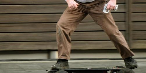 Fußgänger-Verband nennt E-Skateboards «Knochenbrecher»