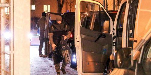 Ermittler: Migranten in Ankerzentrum wollten Beamte töten