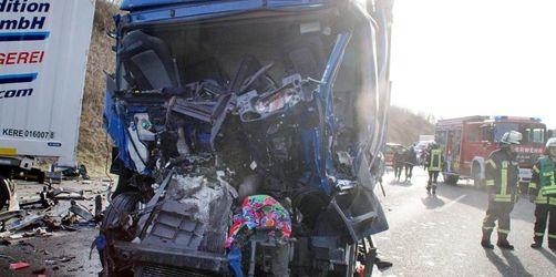 Nach tödlichem Unfall auf A8: Wie weit gingen die Gaffer?