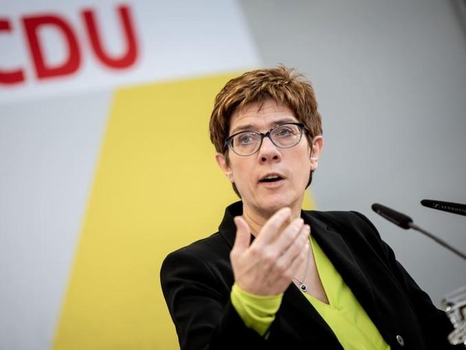 Meinungsverschiedenheit, «kein Krach»: CDU-Chefin Annegret Kramp-Karrenbauer hält nichts von den SPD-Plänen zum Umbau des Sozialstaats.