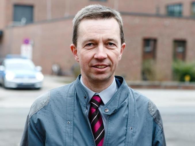 Bernd Lucke, inzwischen Vorsitzender der Liberal-Konservativen Reformer, appelliert an seine ehemalige Partei: «Brechen Sie mit den Rechtsextremisten in der AfD!»