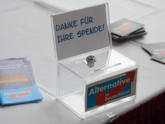 Die Bundestagsverwaltung setzte Strafzahlungen in Höhe von über 400.000 Euro fest. Dagegen geht die AfD gerichtlich vor.
