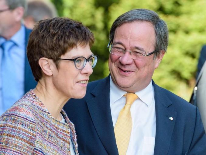 Die CDU-Vorsitzende Annegret Kramp-Karrenbauer und ihr Stellvertreter, der nordrhein-westfälische Ministerpräsident Armin Laschet.