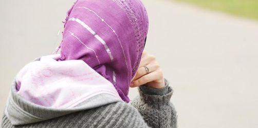 Teenager-Zwangsehen - Sommerferien als Risiko