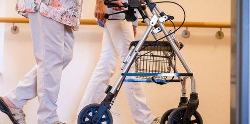 Kabinett bringt bessere Bezahlung in der Pflege auf den Weg