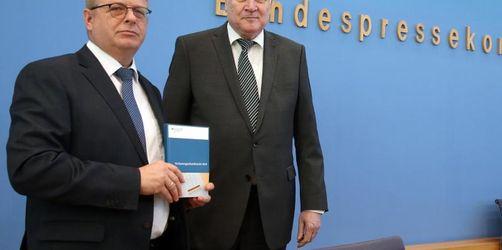Seehofer: Zahl der Rechtsextremen auf neuem Höchststand