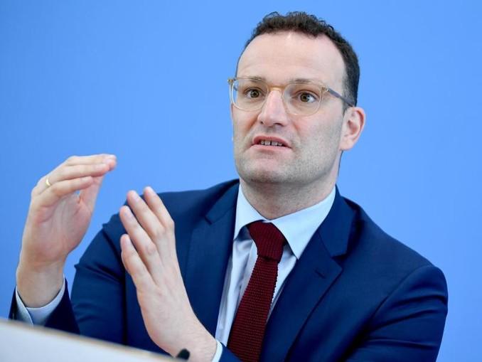 Jens Spahn (CDU) will mit dem Gesetzentwurf Geschäfte auf Kosten der Patienten unterbinden, wenn sie nach einem Aufenthalt im Krankenhaus zu Hause weiterbetreut werden.