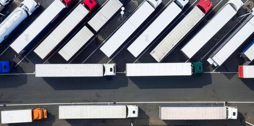 Unionsfraktionsvize für Lkw-Maut auf allen Straßen