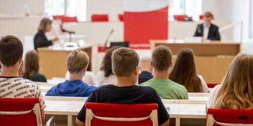 Umfrage: Erwachsene haben Vertrauen in nächste Generation