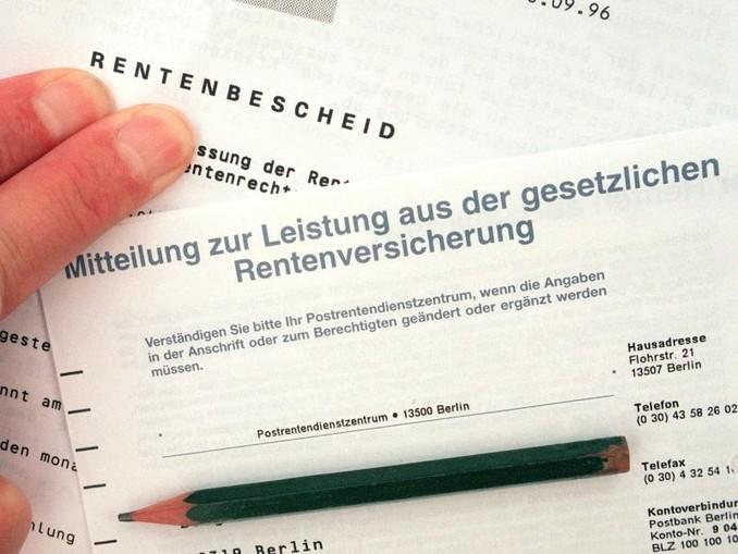 Arbeitsminister Hubertus Heil und die SPD pochen darauf, dass vor Auszahlung des geplanten Aufschlags auf kleine Renten nicht geprüft wird, ob die Betroffenen wirklich bedürftig sind. /dpa-Zentralbild/dpa