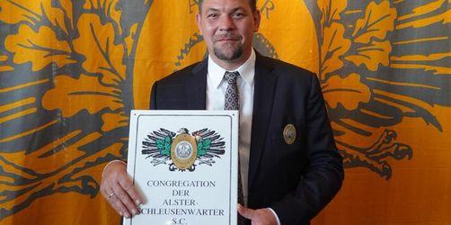 Tim Mälzer ist Ehren-Schleusenwärter
