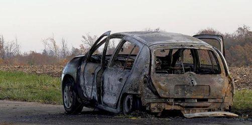 Ermittlungen zu verbrannter Frau in Auto gehen weiter