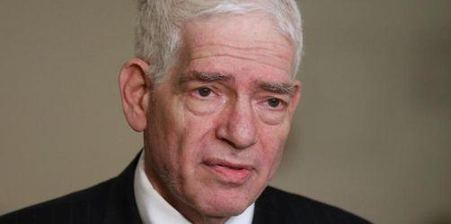 Schuster warnt vor Gleichgültigkeit gegenüber Extremismus